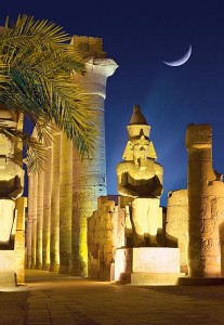 101719_luxor_temple_by_night_1000piece__02564